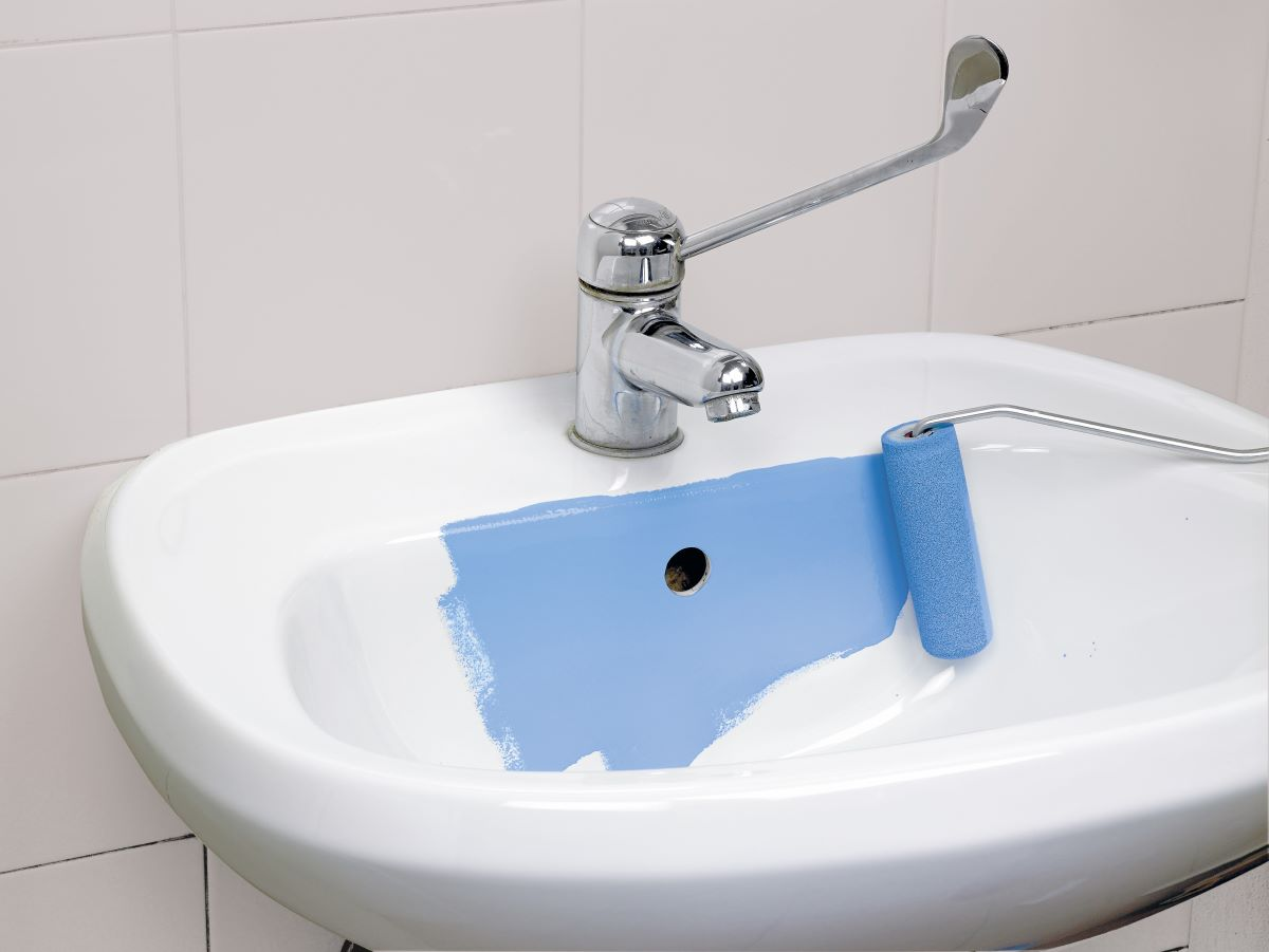 Vernice per piastrelle sottosopra per rinnovare il bagno - Smalti per piastrelle bagno ...